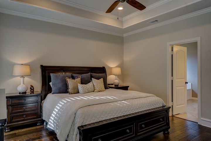Łóżka z litego drewna – sprawdzone rozwiązanie do każdej sypialni